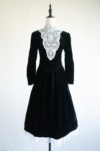 Lace Design Black Velour Dress