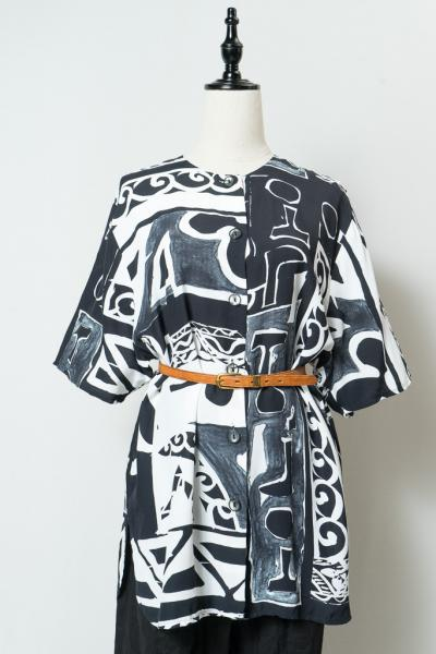 Made In Euro Monotone Art Blouse
