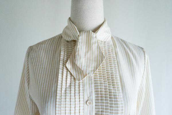 Beige×White Stripe Bowtie Blouse