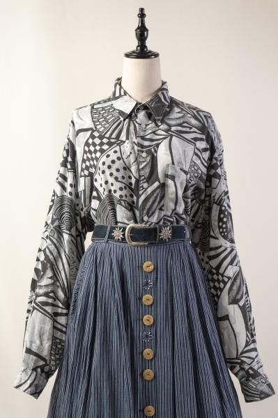 Monotone Art Pattern Over Blouse