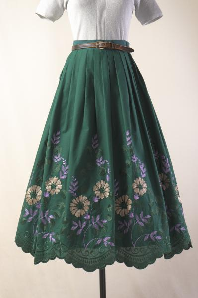Made In Euro Flower Embroidery×Green Skirt