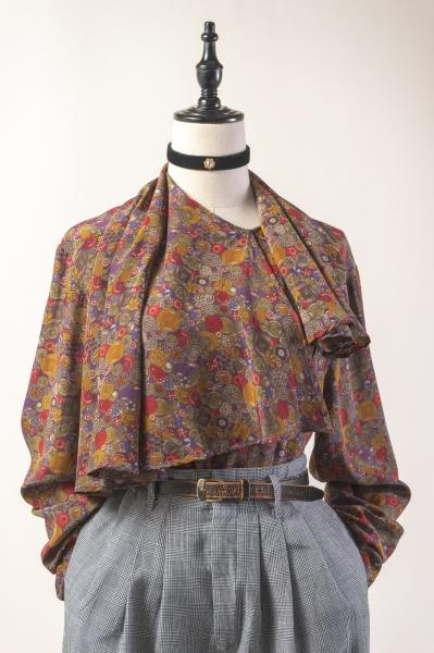 Made In Italy Button Pattern Cape Collar Blouse