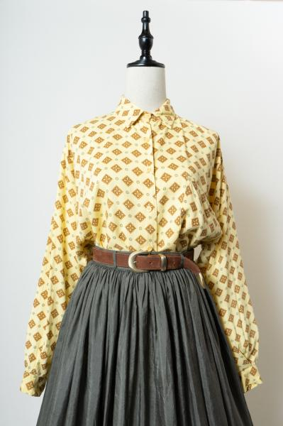 Square flower pattern Blouse
