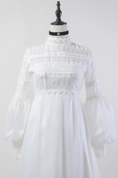 50's Eyelet Lace Design White Wedding Dress