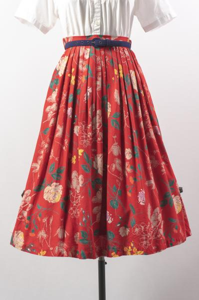 Made In Euro Flower Drawing Red Tyrol Skirt