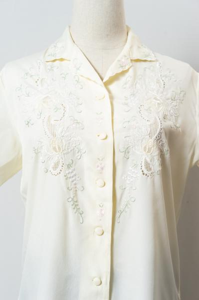 Made In Euro Flower Embroidery Blouse