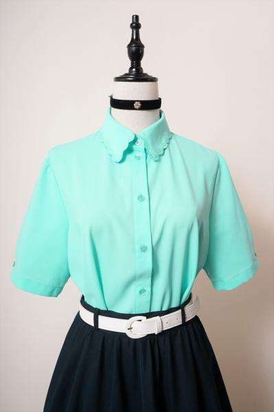 Made In Euro Leaf scallop Emerald Blouse