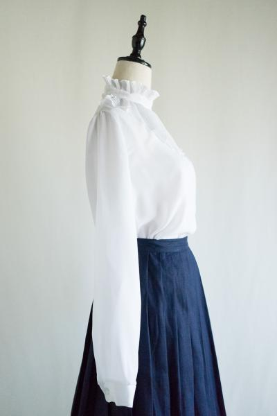 Made In Euro Pleats collar White Tops