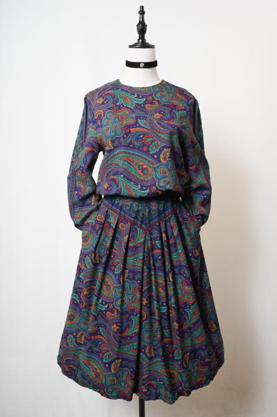 Exotic-color Botanical paisley Dress