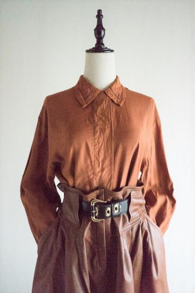 Made In Euro Lace Collar Brown Blouse